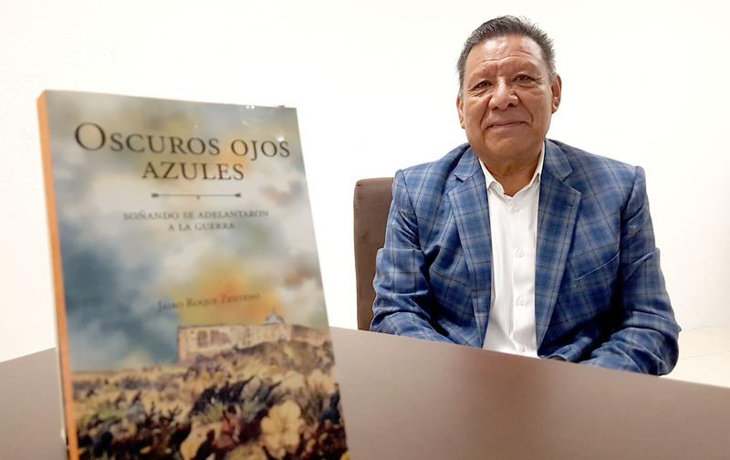 "Presenta IEDEP la novela ""Oscuros Ojos Azules"", del novelista Jairo Roque Zenteno"